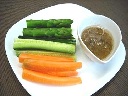 野菜を食べる!バーニャカウダ