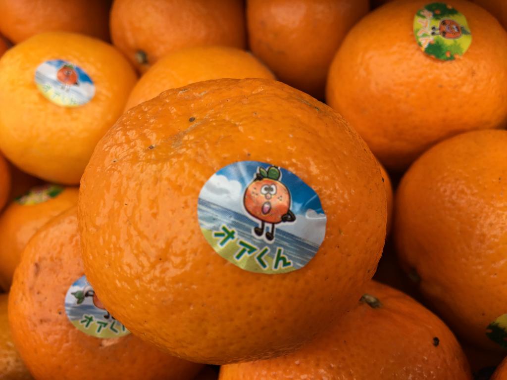 手でむけるオレンジ