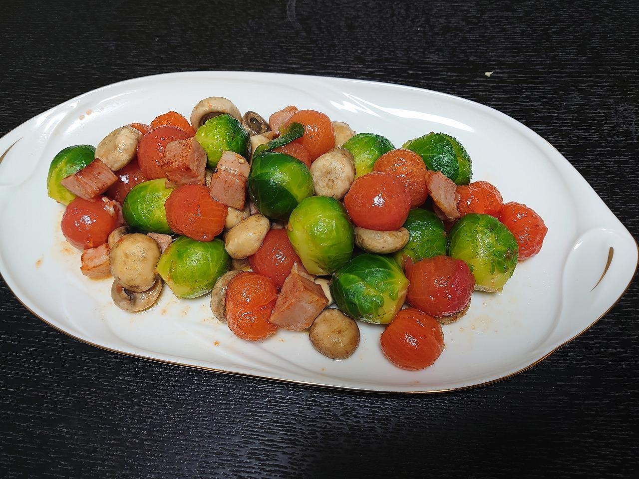 芽キャベツのホットサラダ